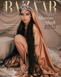 Shanina Shaik poses in desert shoot for Harpers Bazaar Arabia Hair magazine Vogue Covers, Vogue Magazine Covers, Korean Magazine, Édito Vogue, Paper Magazine, Esquire, Gq, Magazin Covers, Shanina Shaik