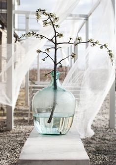 Seaside Ceremonies / Wedding Style Inspiration / The LANE (instagram @the_lane)