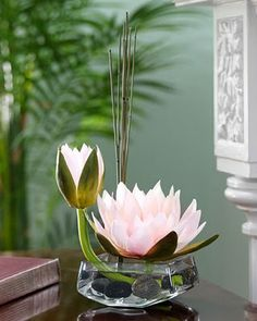 Water Lily Floral Accent