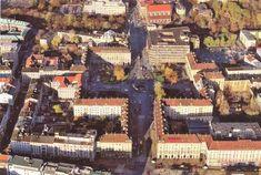 Plac Kościuszki z lotu ptaka, zdjęcie zrobione przed rozbudową Renomy. Choć z pożogi Festung Breslau ocalały tylko trzy budynki, nowa architektura z lat 50. okazała się godna klasy tego miejsca i zyskała status zabytku.