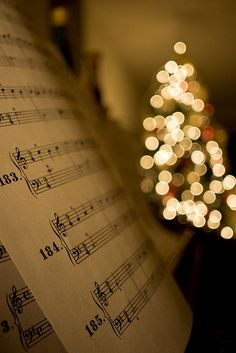 ♪♫ It's The MOST wonderful time of the year ♫♪ Just love Christmas music~❥