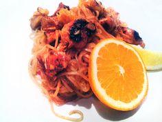Makaron ryżowy z kurczakiem i pomarańczą