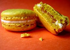 Curry macarons