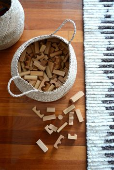 A few months ago, here in a cute shop in my little town, I discovered the beautiful, natural wooden blocks set by Polish company Wooden Story. These blocks, like all of the wooden toys by Wooden Story, are hand made in the Beskidy Mountains of Poland from environmentally sourced wood.