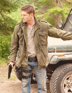Dean Winchester (as portrayed by Jensen Ackles) - Supernatural Dean Winchester Supernatural, Castiel, Winchester Boys, Familia Winchester, Jensen Ackles Supernatural, Supernatural Seasons, Winchester Brothers, Supernatural Fandom, Dean Winchester Outfit