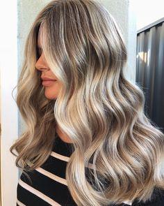 """""""Mi piace"""": 192, commenti: 5 - GABRIELLE ROCCUZZO (@_hairbygabrielle) su Instagram: """"Fresh colour  #HAIRBYGABRIELLE"""""""