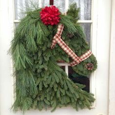 Over 30 of the BEST Christmas Wreath Ideas! These DIY Holiday Wreaths are easy to make and beautiful decorating ideas for you door! Wreath Crafts, Diy Wreath, Christmas Projects, Holiday Crafts, Holiday Decor, Wreath Ideas, Wreath Burlap, Christmas Horses, Noel Christmas