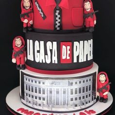 This cake reminded you who? The paper house. Birthday Cake For Him, 21st Birthday, Pretty Cakes, Cute Cakes, Stranger Things Netflix, Cake Ingredients, Birthday Party Decorations, Amazing Cakes, Sweets