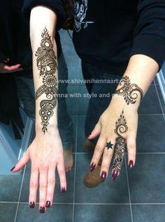 For the booking questions, please email us on ✉️shivanihennaart@gmail.com #henna #Hina #hena #Mehndi #mahendi #bride #bridal #wedding #indianhenna #hennatattoo #hennadesign #designer #photography #excellence #shivanihennaart #fashion #girls #marriage #party #engagement #birthday #fun #bramptonhenna #art #artist #hennaartist #indianwedding #eid #karwachauth Henna Designs Feet, Finger Henna Designs, Eid Mehndi Designs, Henna Tattoo Designs, Mehndi Tattoo, Henna Mehndi, Arabic Henna, Henna Arm, Hand Henna