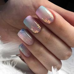 This is the best Easter acrylic nail design for If you haven& figured out what this nail design for Easter. Then these Easter nail designs make your fashionable Easter nails exude charm and elegance. Shellac Nails, Gold Nails, Nail Polish, Glitter Gradient Nails, Oval Nails, Diy Nails, Easter Nail Designs, Acrylic Nail Designs, Shellac Nail Designs