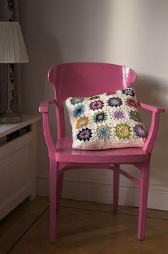 Ravelry: Copenhagen Pillow pattern by Yvonne Eijkenduijn