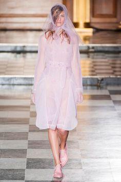 Pin for Later: Simone Rocha Rains Her Bit of Fluff over London Fashion Week Simone Rocha Spring 2015