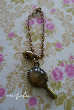 Blythe necklace with brown pearl