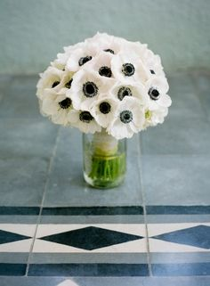 White-Anemone-Bouquet - I love these flowers! Bride Bouquets, Flower Bouquet Wedding, Anemone Bouquet, Ranunculus, Peonies, Tulips, Beautiful Pink Roses, Wedding Flower Inspiration, Wedding Ideas