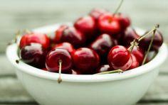 Ciliegie: proprietà benefiche e nutrizionali - Le ciliegie sono ricche di proprietà benefiche e nutrizionali. Scopriamo di più su questo meraviglioso e sorprendente frutto.