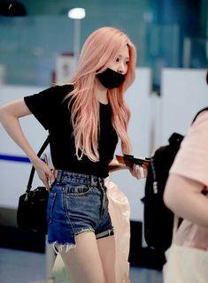 Kpop Girl Groups, Korean Girl Groups, Kpop Girls, Daily Fashion, Girl Fashion, Yuri, Sana Minatozaki, Kpop Fashion Outfits, Kim Min
