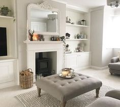 37 Simple Living Room Shelving Ideas for Space Saving Living Room Shelves, Cosy Living Room, Home And Living, Living Room Designs, Home Living Room, Living Room Color, Room, Room Design, Victorian Living Room
