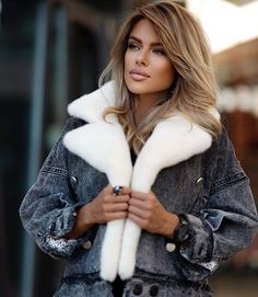 Fake Lips, Sheepskin Coat, Fleece Sweater, Fur Collars, What I Wore, Blond, Outfit Of The Day, Fitness Models, Fur Coat