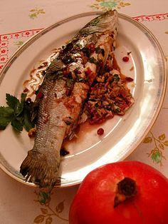 """La mia cucina persiana: Pesce ripieno in salsa di melograno - """"Mahi Shekam Por"""""""