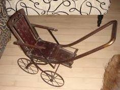 antieke wandelwagen