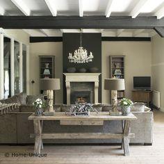 Mooi kleurenpalet, geeft een warme sfeer in een landelijk interieur