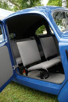 VW 30 Series Interior -- there is nothing I hate about this interior. (Maybe the exposed battery.) -- Online Image