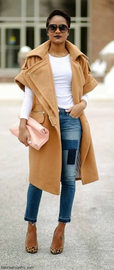 #StreetStyle #Jeans #WhiteShirt