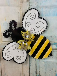 Burlap Door Hangers, Owl Door Hangers, Initial Door Hanger, Bee Party, Bee Theme, Wood Cutouts, Bees Knees, Diy Door, Summer Crafts