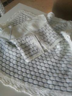 Bebek battaniyesi ve yelek