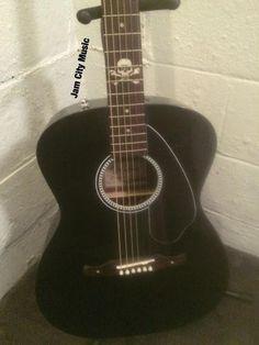 #AvrilLavigne #Newporter #Fender Acoustic Electric with Skulls and cross bones...