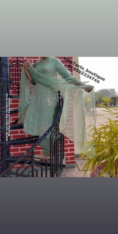 Embroidery Suits Punjabi, Embroidery Suits Design, Hand Embroidery, Embroidery Designs, Sleeves Designs For Dresses, Sleeve Designs, Indian Clothes, Indian Outfits, New Style Suits
