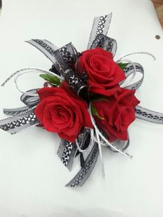 Red flower corsage for prom Red Corsages, Black Corsage, Prom Corsage And Boutonniere, Bridesmaid Corsage, Flower Corsage, Corsage Wedding, Wrist Corsage, Wedding Bouquets, Boutonnieres