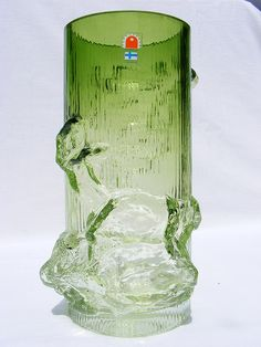 Oy Kumela 'Petäjä' glass vase by art-of-glass, via Flickr Art Of Glass, Vaseline Glass, Lassi, Vintage Pottery, Sculptures, Ceramics, Crystals, Retro, Bottle