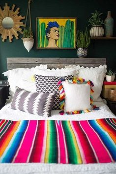 36 Colorful Bedroom That Make Your Place Look Cool Home Decor mexican home decor Mexican Bedroom Decor, Mexican Style Decor, Bohemian Bedroom Decor, Home Decor Bedroom, Diy Home Decor, Decor Room, Room Decorations, Bedroom Ideas, Mexican Blanket Decor