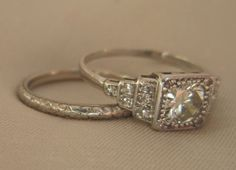 I love heirloom rings. I wish wed had one for my ...
