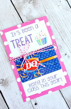 Teacher Appreciation Day printables for food gifts: teacher appreciation printable gift card holder at Crazy Little Projects