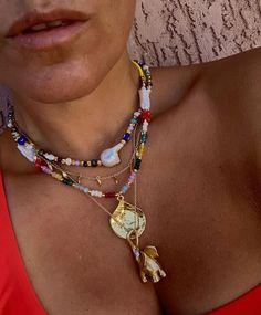 Cute Jewelry, Gold Jewelry, Beaded Jewelry, Jewelry Accessories, Fashion Accessories, Jewelry Design, Beaded Necklace, Trendy Jewelry, Summer Jewelry