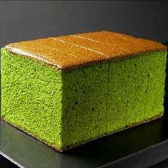 Be adventurous and try this incredible Matcha Green Tea Castella Sponge Cake. Sponge Cake Orange, Tea Cakes, Cupcake Cakes, Green Tea Dessert, Uji Matcha, Matcha Cake, Matcha Chiffon Cake Recipe, Japanese Cake, Japanese Pastries
