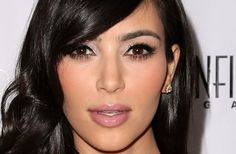Google Image Result for http://3.bp.blogspot.com/-PH4GHGGNg3E/T2EGDo1RvkI/AAAAAAAAAKQ/7kLV4hOYbZ0/s1600/Kim-Kardashian-makeup-tips.jpg