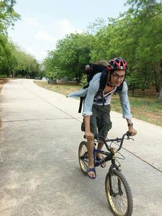 Biking around the island #Beaches near #Bangkok  #Summertime #summerday #Koh #Samaesan