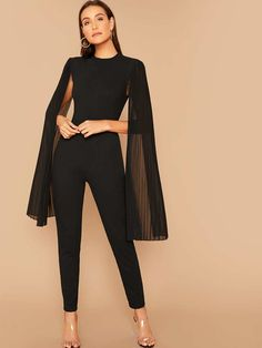 Check out this Solid Pleated Cape Jumpsuit on Shein and explore more to meet your fashion needs! Prom Outfits, Classy Outfits, Chic Outfits, Casual Business Look, Business Outfit, Cape Jumpsuit, Jumpsuit Hijab, Pleated Jumpsuit, Black Jumpsuit