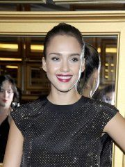 #Celebrity #Jessica #Alba wearing sexy black pantyhose at the 'Versace fort'.
