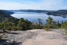 Fjord du Saguenay - Québec. Sur routard.com, retrouvez les meilleures photos de voyage des internautes. Quebec Province, Saguenay Quebec, Fjord, Canada, Photos Voyages, Nice Place, Regrets, Hui, Alaska