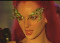 And Poison Ivy is played by Uma Thurman! Poison Ivy is a DC Comics supervillain and is primarily an enemy of Batman. Created by Robert Kanigher, she first appeared in Batman But Uma takes Poison Ivy to a new level. Looks Halloween, Halloween Inspo, Halloween Outfits, Halloween Makeup, Halloween Costumes, Halloween 2015, Poison Ivy Halloween Costume, Poison Ivy Costumes, Cosplay Outfits