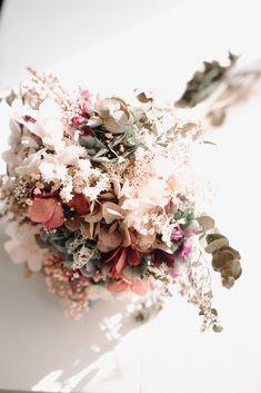 CITA PREVIA: 94 430 08 87 - HORARIO: Lunes-Viernes:10-13,30h y 17,30-20h. SÁBADOS: 10-13,30h. -   DIRECCIÓN: Maidagan 3- GETXO(BIZKAIA),  Metro: BIDEZABAL Email:info@novelle.es REDES SOCIALES:@nove… Floral Wreath, Crown, Wreaths, Jewelry, Decor, Socialism, Schedule, Quote, Friday