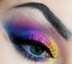 Rainbow transition glitter eye make up #makeup #eyes #eyeshadow