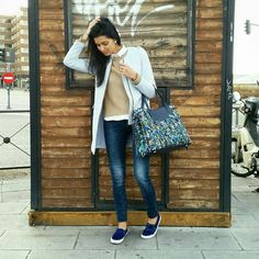 Blue sensation with blogger Atenas Hernández | Limited Edition Tote from Santiago Atitlán
