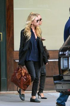 How to dress like Mary-Kate and Ashley Olsen while you're running errands this weekend