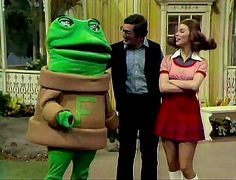 """i used to LOVE """"new zoo review"""" with freddy the frog and henrietta hippo!"""