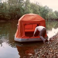 Camping Over Water – Mary Smith – bushcraft camping Camping Ideas, Camping Glamping, Camping Checklist, Camping Hacks, Outdoor Camping, Camping Hammock, Camping Water, Hammock Tent, Camping Packing